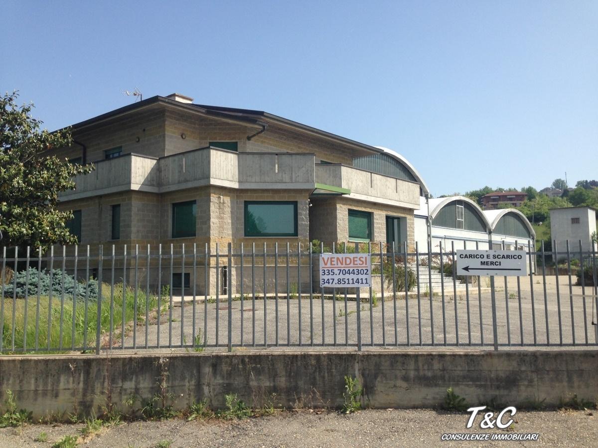 Capannone in vendita a Andezeno, 9999 locali, prezzo € 1.400.000 | Cambio Casa.it