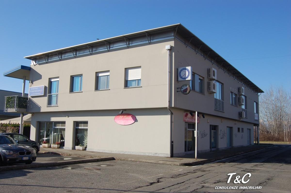Negozio / Locale in vendita a Leini, 15 locali, prezzo € 267.000 | CambioCasa.it