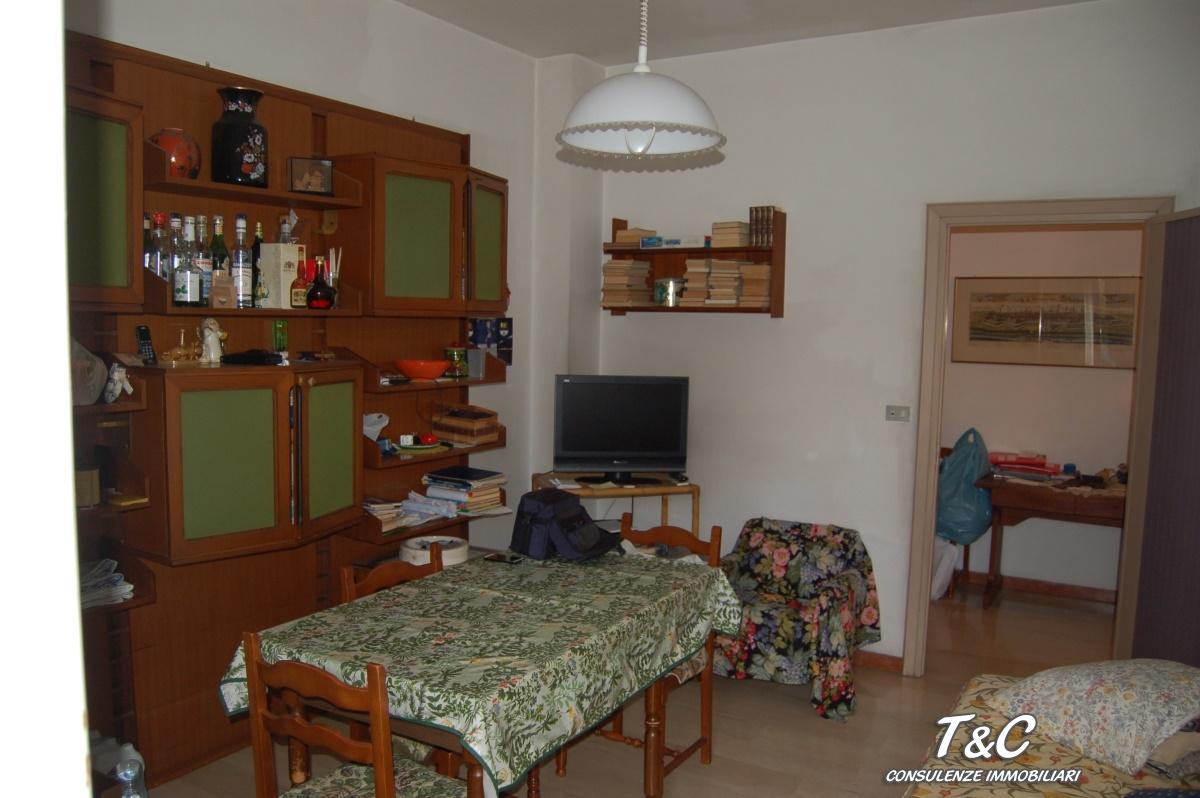 Bilocale Torino Via Genova 110 5