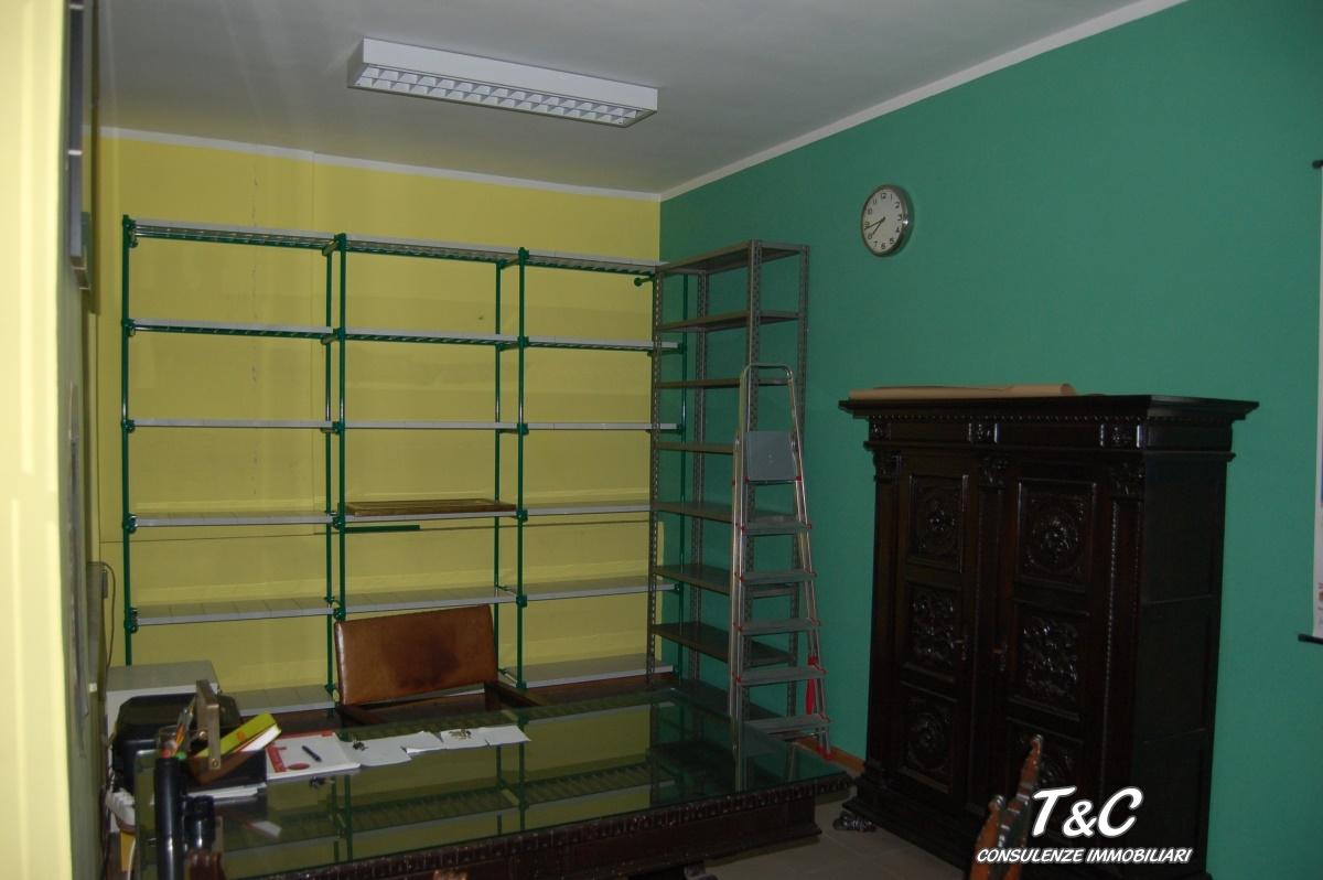 deposito/magazzino in vendita a TORINO (TO)