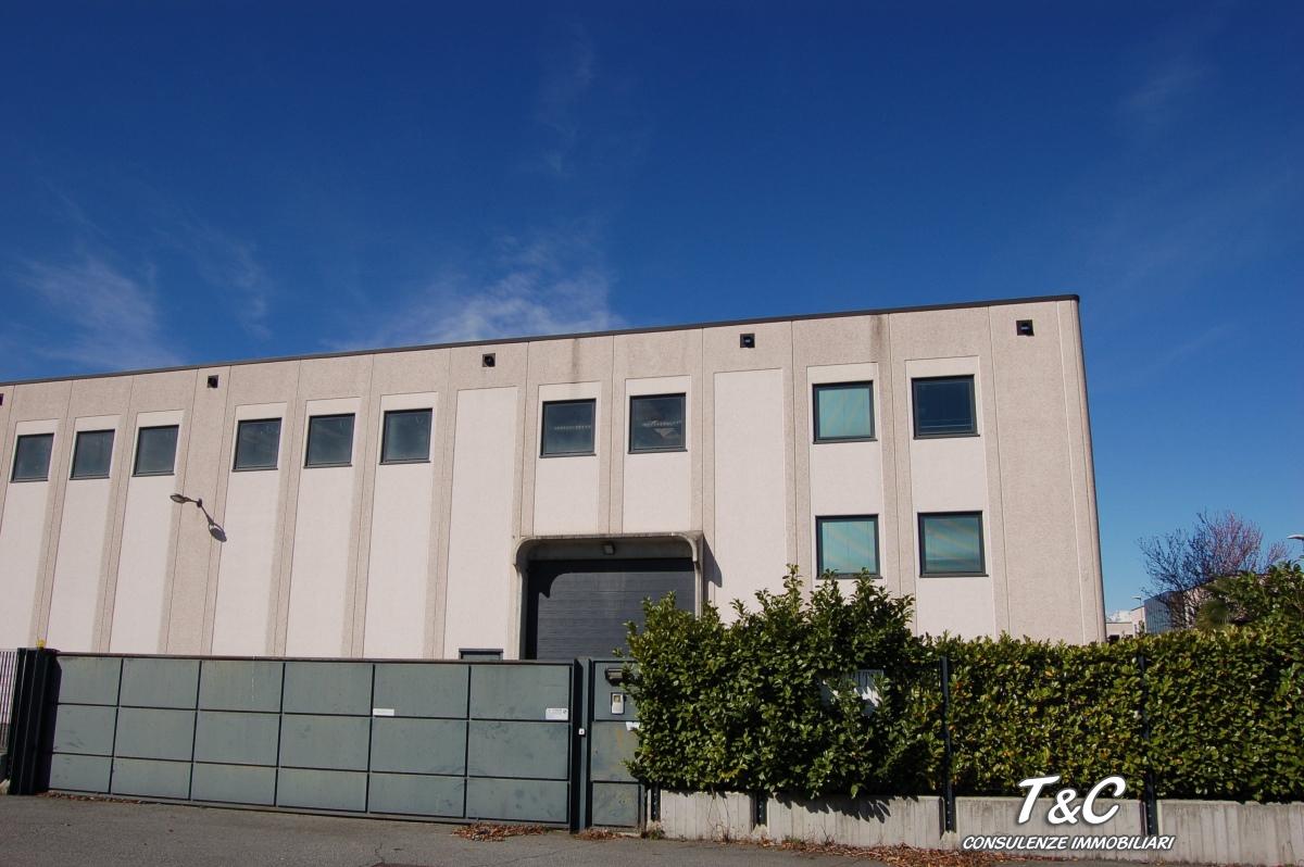 Capannone in vendita a Caselle Torinese, 9999 locali, prezzo € 1.600.000 | CambioCasa.it