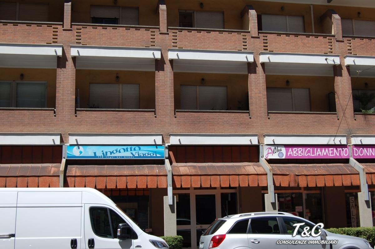 Bilocale Torino Via Genova 110 13