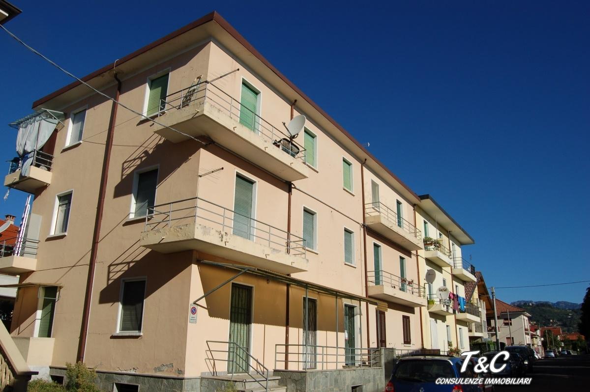 Appartamento in vendita a Pinerolo, 4 locali, prezzo € 79.000 | Cambio Casa.it