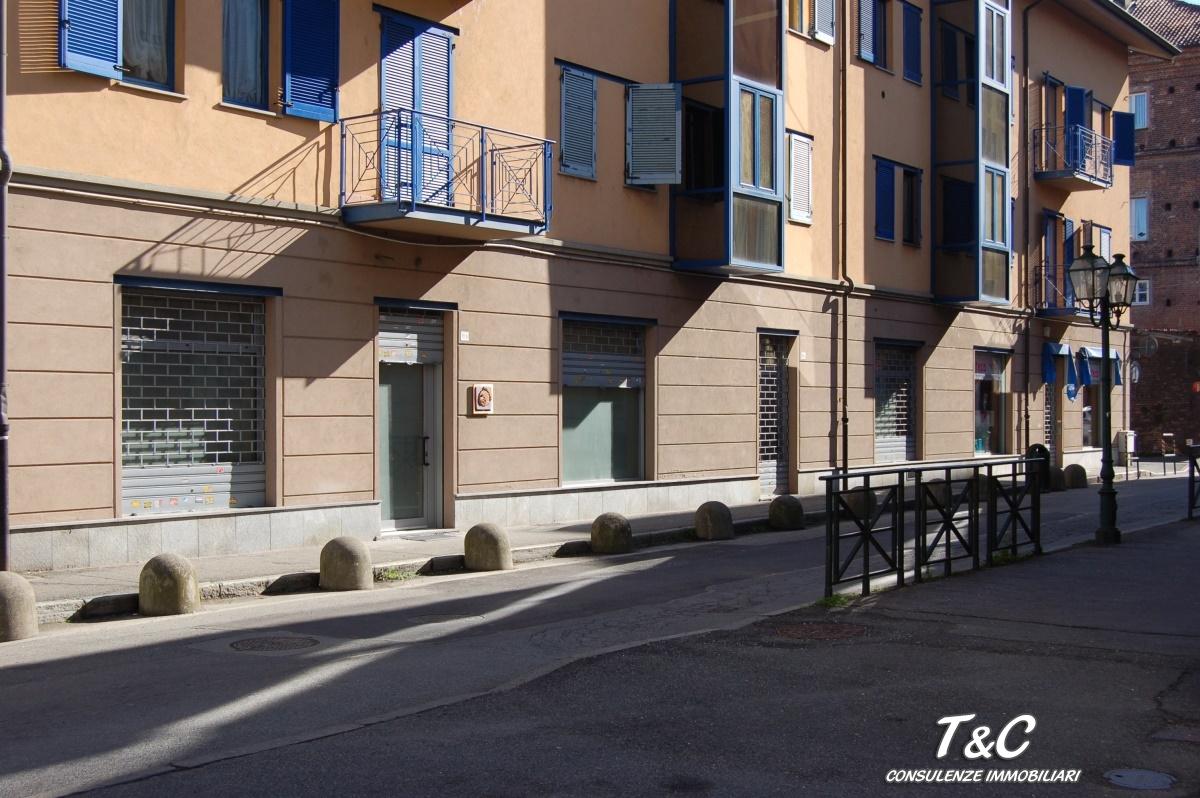 Negozio / Locale in vendita a Chivasso, 2 locali, prezzo € 143.000 | Cambio Casa.it