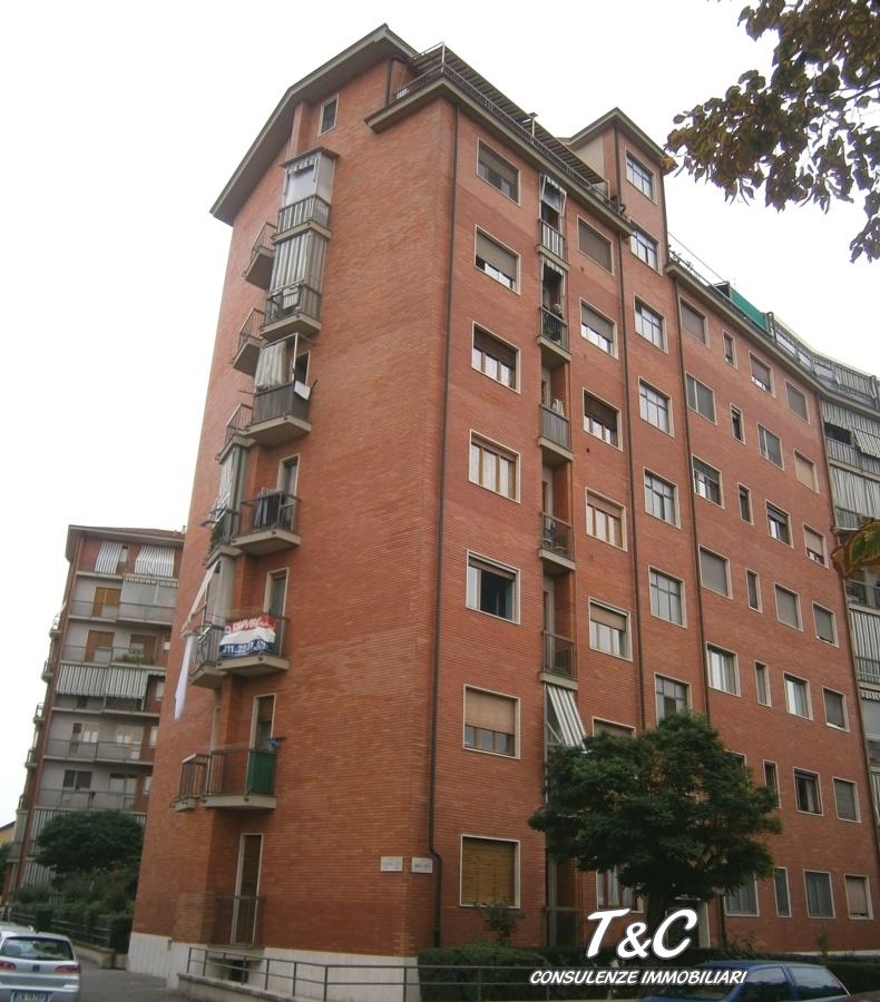 Bilocale Torino Via Paris 18 1