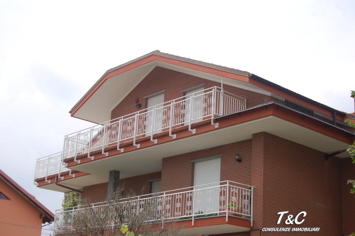 Appartamento in vendita a Pianezza, 3 locali, prezzo € 178.000 | CambioCasa.it